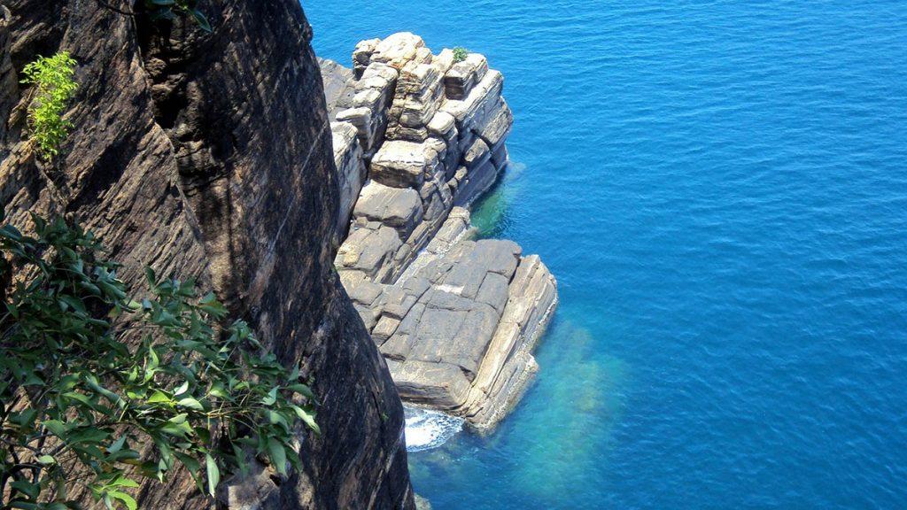 La mer vue du haut de la falaise