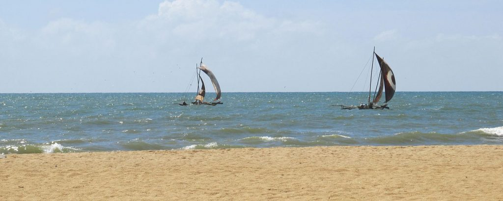 beach-negombo-boats