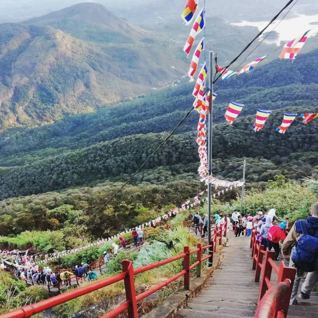 LEs marches lors de la montée de l'Adam's Peak