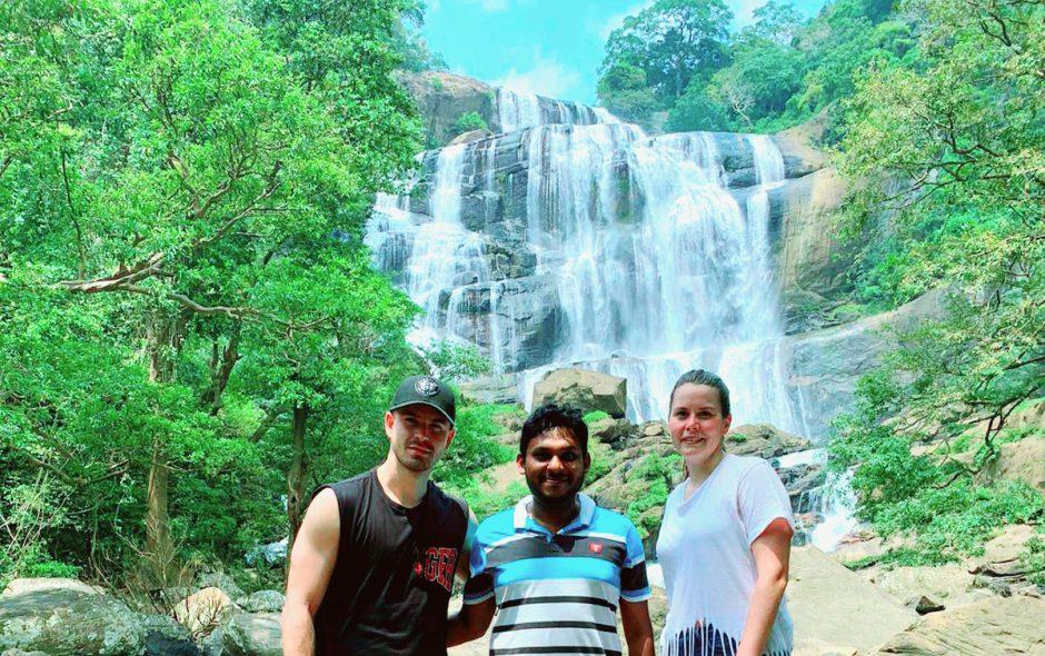 Chamindu chauffeur chez Mai globe Travels avec des touristes